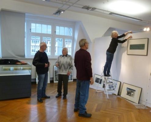 Aufbau der Ausstellung der 35. Leipziger Grafikbörse